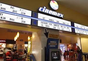 Cinemex es propiedad de Germ�n Larrea, principal accionista de Grupo M�xico, la cual es propietaria
