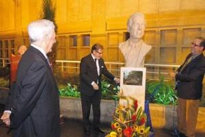 Vargas Llosa es inmortalizada en la Biblioteca de Lima