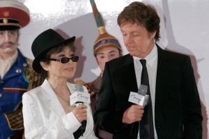 McCartney admite que Yoko hizo enojar a los Beatles