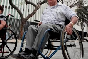 El universal robots port tiles ayudan a personas con discapacidad - Tamano silla de ruedas ...