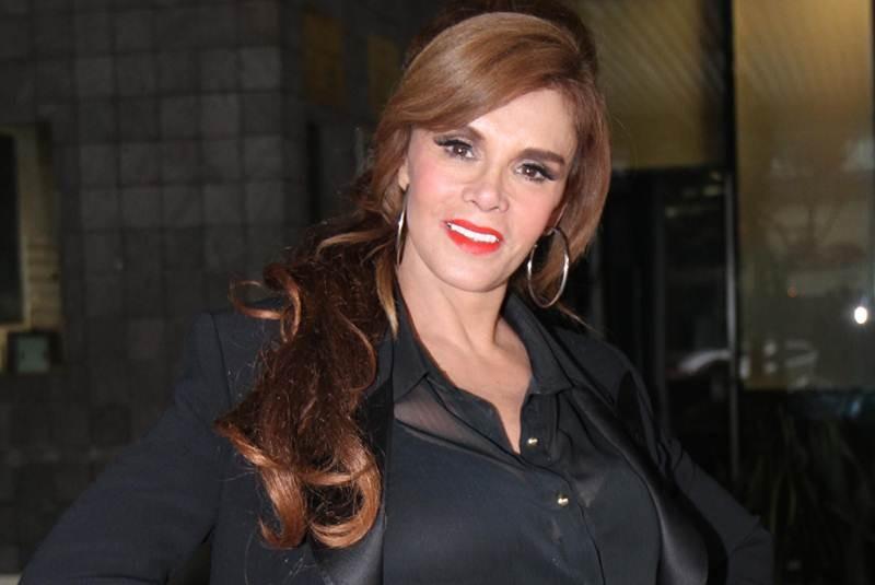 Лусия Мендес/Lucia Mendez 4 - Страница 31 Lucia_mendez_canonizacion-movil
