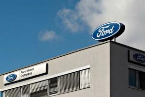 Ford retira 13 mil autos por fallas en EU, Canad� y M�xico