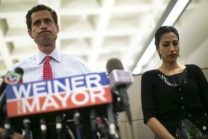 Weiner reapareci� el martes, entonando un mea culpa p�blico por un nuevo esc�ndalo de textos de tono