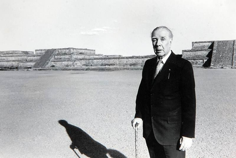 Hallan texto inédito de Borges