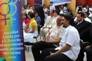 Morena denuncia a legislador por homofobia en Colima