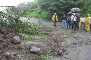 Las autoridades han pedido extremar precauciones y a los automovilistas circular con precaución; ade