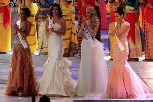 Megan Young no sab�a qu� decir, sin embargo, no llor� tras conocer que era ella la ganadora.