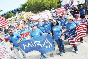 Miles piden hoy una reforma migratoria