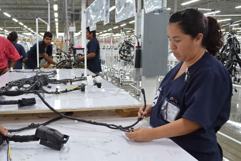 al salario mínimo en 3 9 % cuanto es el aumento del sueldo en el