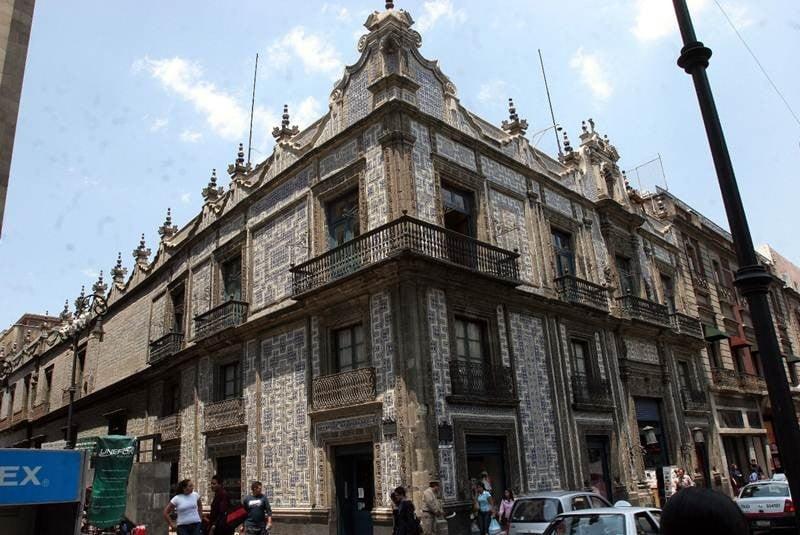 El universal cultura rastros del modernismo literario for Casa de los azulejos centro historico