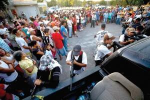 Las autodefensas llegaron ayer al rancho Las Yeguas para invitar a la gente a que se una a su causa