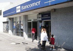 El universal finanzas bancos apuestan a un modelo for Bbva cierre oficinas