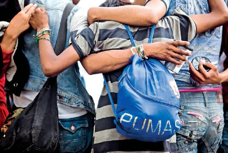 Pobres, 53% de niños en el país: Coneval