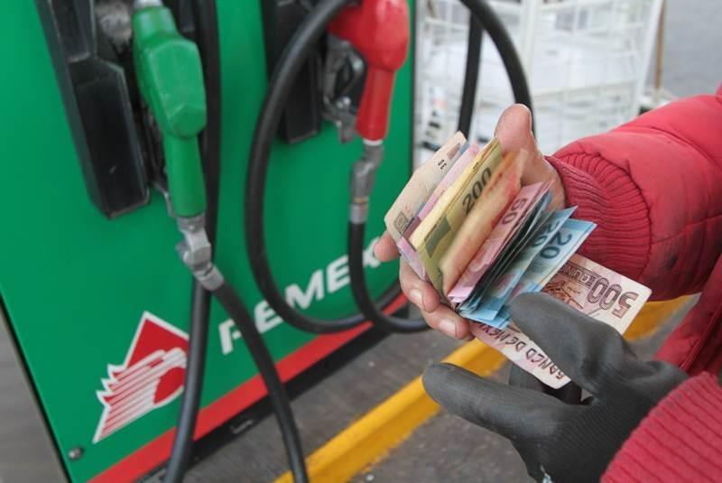 """Prevén en PRI fin de """"gasolinazos"""" para 2015"""