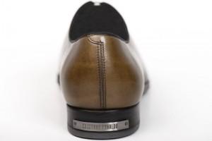 El Universal - De Última - De hacer goles a vender zapatos 277103a137fe7