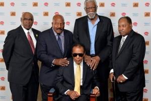 Hospitalizan a Muhammad Ali por neumonía