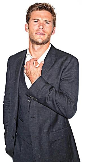 Scott Eastwood compartió novia con Ashton Kutcher