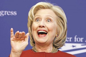 Republicanos inician ataque contra Hillary