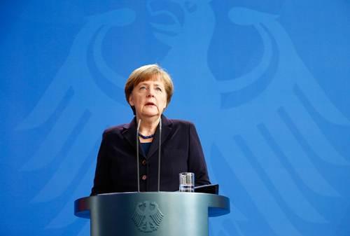 Cumple Merkel 15 años al frente de la CDU