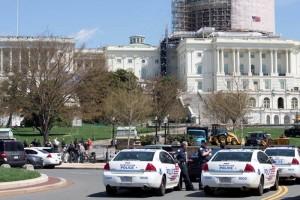 Reportan disparos frente al Capitolio; posible suicidio