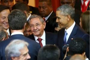 Castro y Obama, juntos en recinto de Cumbre de las Américas