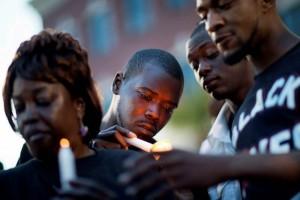 Preparan funeral para conductor baleado por policía