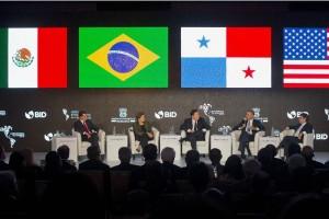 El Universal - Nación - Marca Obama como ejemplo la reforma energética de EPN